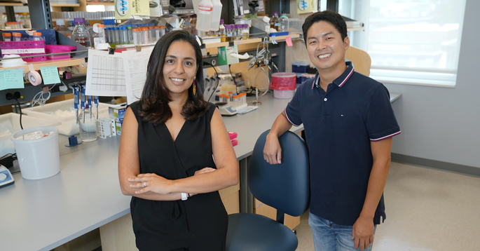 Mariana Byndloss, DVM, PhD, Woongjae Yoo, PhD, and colleagues are studying how a high-fat diet may contribute to heart disease. (Photo taken prior to revised masking guidelines.)