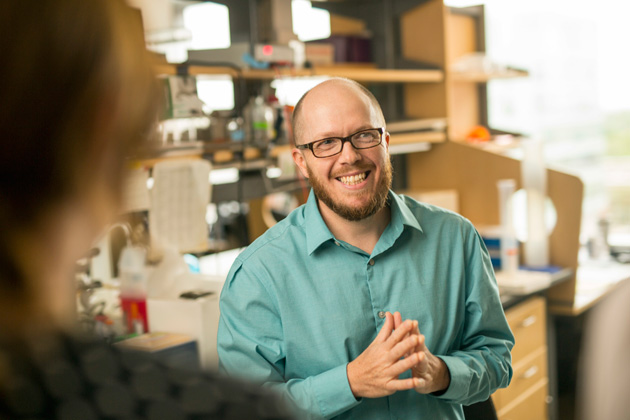 David Merryman, associate professor of biomedical engineering, found that a drug developed for rheumatoid arthritis stops a common binding protein from calcifying heart valves. (Vanderbilt University)