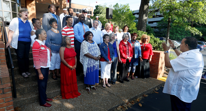 Members of the United Voices of Vanderbilt choir sang at the Memorial Day 2018 flag-raising ceremony at VUMC, an event hosted by VUMC veterans.